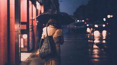 Nightwalk / hors série 2017 #lille #lillemaville #igerslille #igersfrance #piclille #hautsdefrance #hautsdefrance_inlive #umbrella #woman #lilloise #rainyday #night #nightwalk #nikonfr #d750 #lights #citylights #vivelenord #street #streetphotography