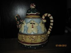 DEBBIE MUMM SAKURA CHRISTMAS TEA POT GINGER BREAD MEN AND CANDY CANE