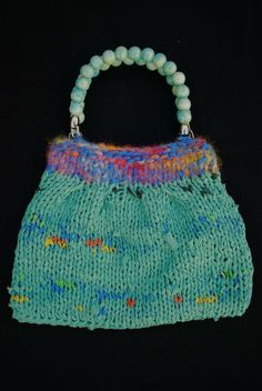 Knitted purse with recycled Tshirt yarn