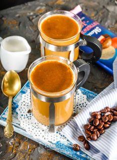 Кофе с корицей и молоком — рецепт с фото на Русском, шаг за шагом. Кофе с корицей и молоком - ароматный горячий напиток с пряным послевкусием, который поднимет с утра ваше настроение! #рецепт #кофе #напиток #напитки #рецепты Smoothie Drinks, Smoothie Recipes, Healthy Drinks, Healthy Recipes, I Love Coffee, Chocolate Coffee, Sweet 16, Juice, Coffee Maker