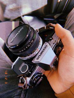 Vintage Camera Olympus Film Camera with Olympus Zuiko Lens - Beste Comics, Laura Bailey, Ashley Johnson, Camera Gear, Camera Hacks, 35mm Camera, Camera Tripod, Nikon Dslr, Lip Art