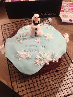 Gâteau Olaf en pâte à sucre - reine des neiges - gâteau madeira cake