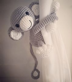 Ravelry: Monkey curtain tieback pattern by Nice and Cosee Crochet Round, Crochet Home, Double Crochet, Hand Crochet, Crochet Stitches, Crochet Baby, Amigurumi Patterns, Crochet Patterns, Magic Ring Crochet