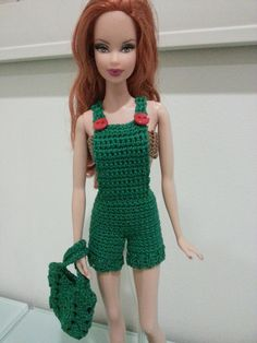 This hub is a free crochet pattern for Barbie Basic Overalls.