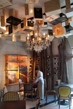 El Wine Bar del Hotel Viura, en Villabuena de Álava, un proyecto de Design Houses.