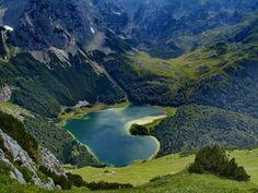 Trnovačko jezero Bosnia and Herzegovina [1920x1440] by Acikus