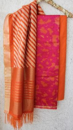 Churidar Designs, Kurta Designs Women, Kurti Neck Designs, Dress Neck Designs, Cotton Dress Indian, Cotton Saree Blouse Designs, Simple Kurti Designs, Salwar Pattern, Salwar Kurta
