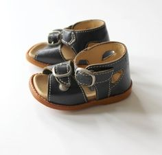 9608689bdbc French Vintage 70 s   baby sandal shoes   navy blue