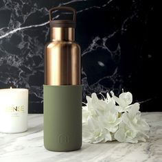 10 Water Bottles You'll Want to Show Off to all of your Friends Cute Water Bottles, Plastic Bottles, Thermos, Healthy Water, Stainless Steel Bottle, Bottle Design, Seaweed, Aqua, Fragrance
