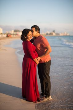 What to wear to a maternity or couple photo session.  © tovaphotography.com Maternity Photographer, Maternity Session, Family Photographer, Engagement Session, Beach Sessions, Photo Sessions, Beach Photos, Miami Beach, Pregnancy Photos
