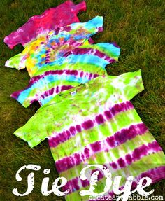 Easy tie dye shirts with @createandbabble !