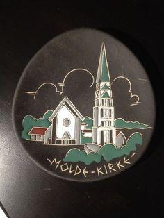 (2) FINN – Platte / minnetallerken fra AROL Halden: Molde kirke Decorative Plates, Home Decor, Molde, Interior Design, Home Interiors, Decoration Home, Interior Decorating, Home Improvement