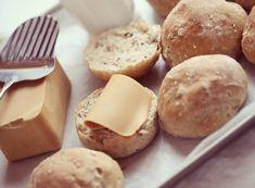 Fler korn brød og rundstykker - Passion For baking Korn, Bon Appetit, Quinoa, Hamburger, Cheese, Baking, Bakken, Burgers, Backen