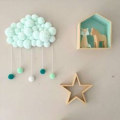 Pin de elham taheri em diy and crafts diy room décor, diy home décor e Pom Pom Crafts, Yarn Crafts, Diy And Crafts, Baby Room Decor, Nursery Decor, Diy For Kids, Crafts For Kids, Diy Y Manualidades, Pom Pom Rug