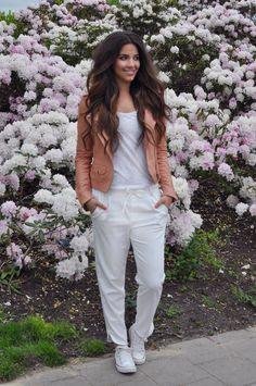 Love my Goosecraft leather jacket! http://satis-fashion.org/white-white/