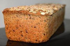 Jeg er så træt af købe rugbrød, det holder så få dage og føltes lidt tomt at spise når først man er begyndt at bage sit eget rugbrød... Så her får i min favorit opskrift på rugbrød... Til 2 store brød s.... Bread Bun, Rye Bread, Good Food, Yummy Food, Danish Food, Vegan Bread, Dough Recipe, Bread Baking, Bread Recipes