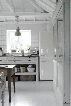 Kitchen Interior Design- Home and Garden Design Ideas vintage kitchen Back to the Past Retro Kitchen Design Ideas Country Kitchen, New Kitchen, Vintage Kitchen, Kitchen Dining, Kitchen Decor, Kitchen White, Neutral Kitchen, Kitchen Ideas, Rustic Kitchen