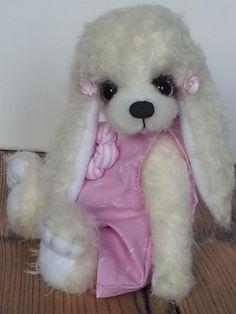 Marie by Schnueff-Bears - Bear Pile Panda Bear, Polar Bear, Teddy Bear, Wombat, Lemur, Orangutan, Chipmunks, Otters, Guinea Pigs