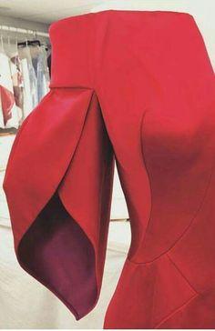 Kurti Sleeves Design, Sleeves Designs For Dresses, Sleeve Designs, Fashion Sewing, Diy Fashion, Fashion Dresses, Saree Blouse Neck Designs, Blouse Designs, Sewing Sleeves