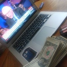 Catalina Querida @catalinaquerida: Catching up on the #demtownhall while stamping! #TKITKOS #stampstampede #getmoneyout #feelthebern #texansforbernie #latinosforbernie