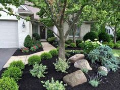 Small Front Yard Landscaping, Front Yard Design, Farmhouse Landscaping, Home Landscaping, Landscaping With Rocks, Inexpensive Landscaping, Landscaping Borders, Courtyard Landscaping, Front Yard Landscape Design