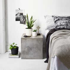 These concrete bedside tables! Home Bedroom, Bedroom Decor, Bedroom Inspo, Modern Bedroom, Concrete Table, Concrete Furniture, Modern Home Interior Design, The Way Home, Awesome Bedrooms