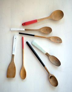 Painted Spoons...could DIY and make a neat gift! Or brighten up the kitchen.
