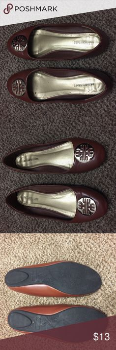 Altar'd State Brown Flats with Gold Emblem Size 10 Altar'd State Brown Flats with Gold Emblem Size 10, super comfy, still in great condition! Altar'd State Shoes Flats & Loafers
