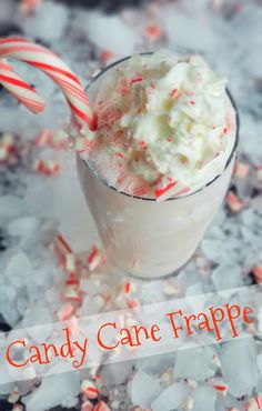 Treat yourself to a Candy Cane Frappe this holiday season or anytime you are craving a dlightful peppermint flavored beverage. Holiday Snacks, Holiday Recipes, Christmas Recipes, Peppermint Patties, Peppermint Candy, Christmas Coffee, Diy Christmas, Make Simple Syrup, Blended Drinks