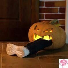 Hallowen Party Halloween Party 2019 Delicious Food 150 Real Pictures You Don& Know About H. , Halloween Party 2019 Delicious Food 150 Real Pictures You Don& Know About H. Halloween Party 2019 Delicious Food 150 Real Pictures You Don& Diy Halloween, Halloween Pumpkin Designs, Scary Halloween Pumpkins, Adornos Halloween, Holidays Halloween, Vintage Halloween, Hollween Decorations, Pumkin Designs, Easy Halloween Decorations Diy