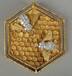 DIAMOND GOLD BEES .... LOVE this bee pin! it's stunning! I see it pinned on a beautiful silky golden brown paisley scarf!!