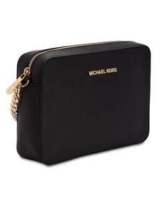 Sophisticated yet street-chic, the Jet Set large crossbody bag from MICHAEL Michael Kors features luxe textured leather with gilded hardware, an adjustable strap and lots of storage for on the go. Micheal Kors Bags, Handbags Michael Kors, Purses And Handbags, Michael Kors Jet Set, Michael Kors Crossbody Bag, Large Crossbody Bags, Leather Crossbody, Designer Crossbody Bags, Luxury Purses