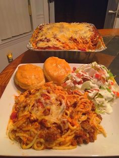 Mouth Watering Food, Lasagna, Spaghetti, Food And Drink, Meals, Cooking, Ethnic Recipes, Husband, Foods