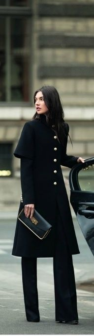 This is why I favor black clothing, and monochromatic outfits. It's slimming, classy, and oh, so chic.