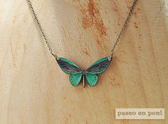 Colgante Mariposa Verde Esmeralda por paseoenponi en Etsy, €10.00