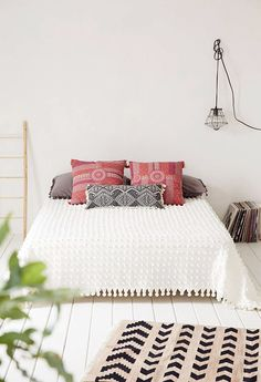 { bedroom :: simple style, cool light + bohemian vibes }