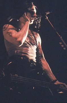 RIP- Type O Negative Peter Steele (Peter Thomas Ratajczyk) to @ Sherlock's in Erie PA- wish I could have been there babe *not my photo* Peter Steele, Rick Astley, Lady Gaga, Valo Ville, Type 0 Negative, Doom Metal Bands, Green Man, Latest Music, Rock N Roll