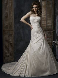 A-line Strapless Chapel Train Charming Taffeta wedding dress