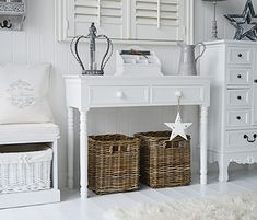 Purity and brightness for your white living room or hallway with our classic New England console table