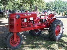BF Avery Model A (Dave Reasons) Tags: tractor antiquetractor oldiron bfavery averytractor bfaverysons harley130