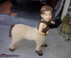 Baby Centaur DIY Costume... Can't wait for they day when you do things like this to my nephews and nieces.  Haha