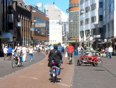 No cars; just pedestrians and bikes in Grote Marktstraat, The Hague, NL. Click through image for source via Bicycle Dutch, and visit the slowottawa.ca boards >> http://www.pinterest.com/slowottawa/