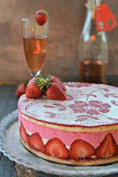Fraisier - skvělý jahodový dort | Recepty | PEČENĚ-VAŘENĚ