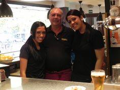 De derecha a izquierda Diana Magaly, Alejandro Beltrán (encargado) y Eunice en una foto reciente