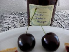 Kirsch-Schokoladen-Marmelade mit Marzipan http://www.family-cookies.de/2014/08/marmelade-mal-anders-kirsch-schoko-mit-marzipan/