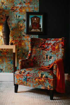 Interior Design Advice, Interior Decorating, Patterned Armchair, Velvet Upholstery Fabric, Painted Furniture, Velvet Furniture, Cool Chairs, Sofa Design, Decoration