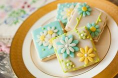 Pastel flower cookies - perfect for Mother's Day!