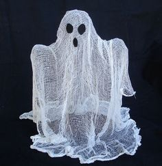low cost easy to make halloween ghost decorationshalloween