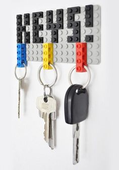 Using Lego parts to make a keyrack