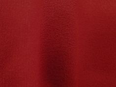 Crepe Miucha (Tango). Tecido de poliéster, leve, fluido, possui textura, suave transparência. Ideal para modelagens amplas e fluidas. Sugestão para confeccionar: Vestidos longos, camisas, saias, entre outros.